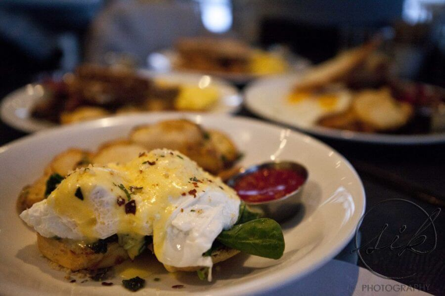 Country Cabin Restaurant Shelburne Ontaio eggs benedict